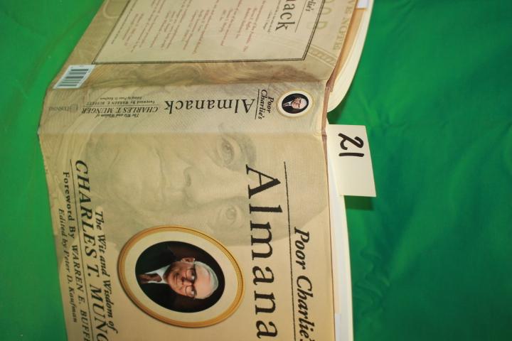 Munger, Charles Charlie  SIGNED ; Ka...: Poor Charlie's Almanack